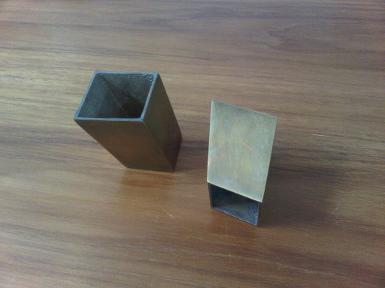 Brass shoe table Code Y.041A size 39x40xh53 mm.bottom hole 30x30 mm.