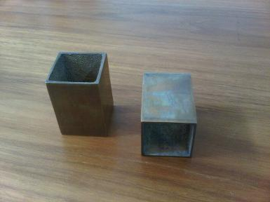 Brass shoe table Code Y.041B size 35x35xh50 mm.