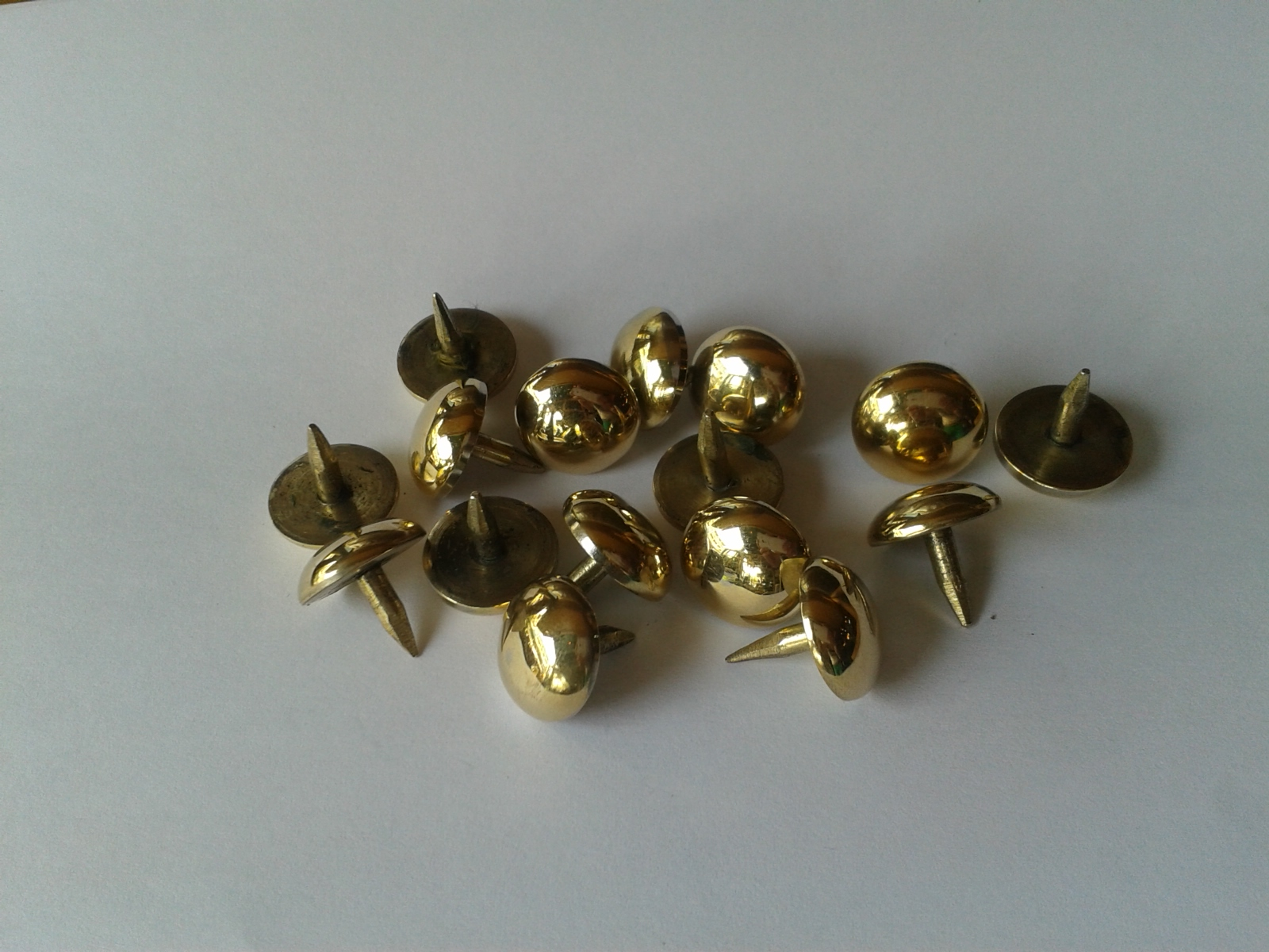 Brass Nail Code AA.082A  size D: 15 mm.