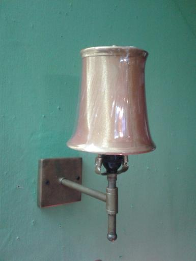 Wall lamp code WLA001G material is brass