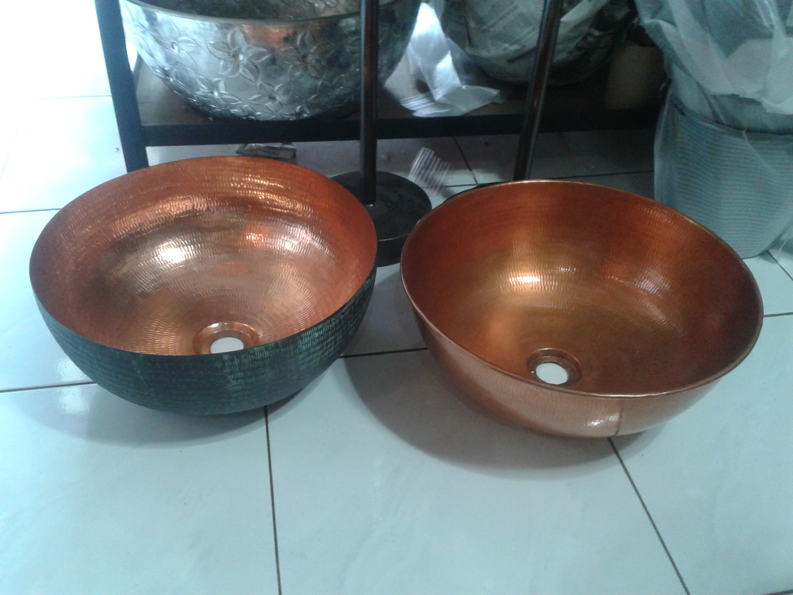 Copper sink code CPS001M  size 400 mm. High 170 mm.