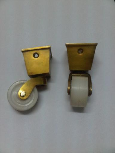 Brass Wheel Item code Y.013B size cup wide 39 x35mm.high75 mm.