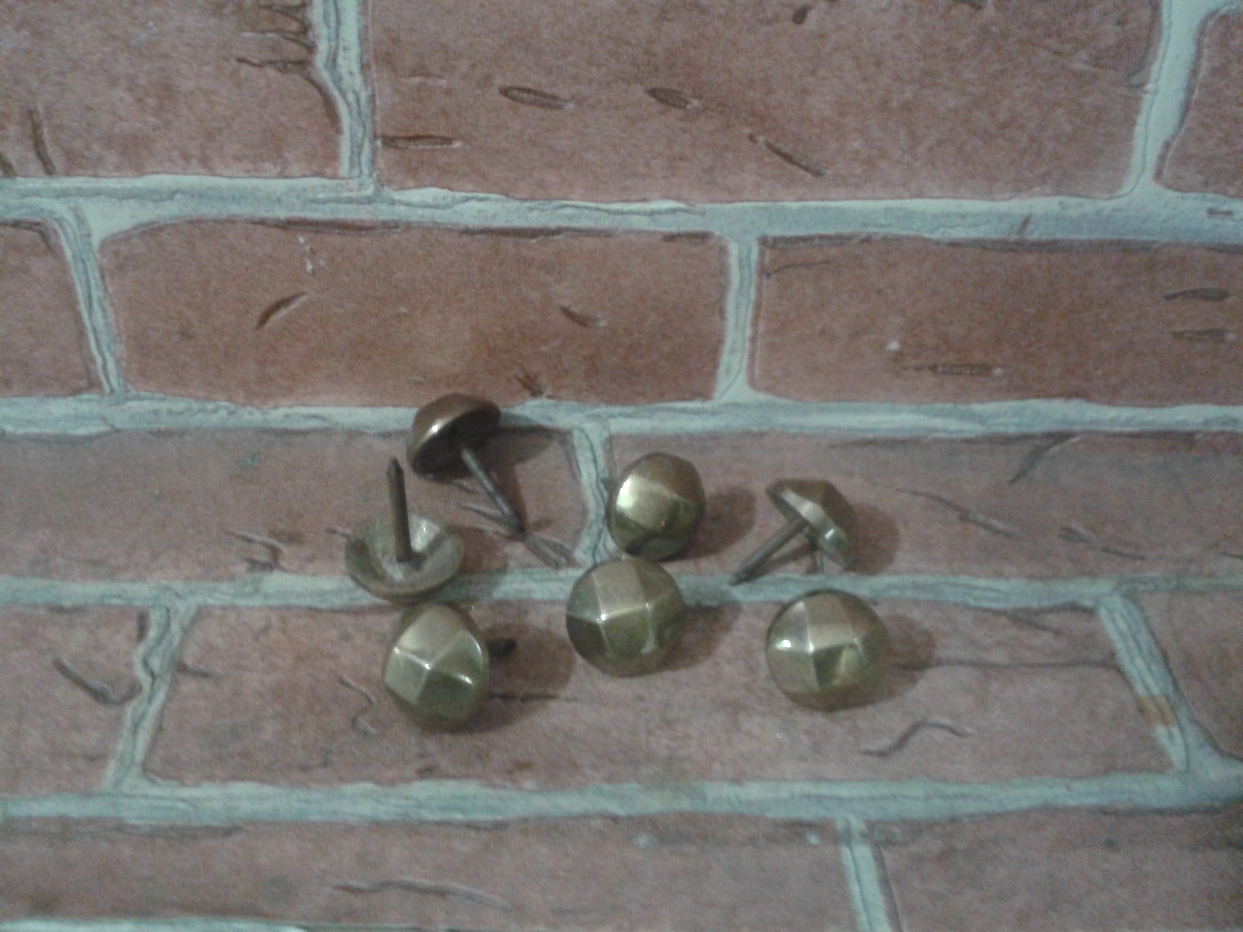 Brass nail code AA.80PT size 16 mm.
