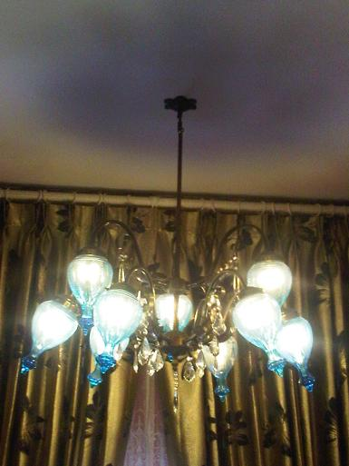 Hanging Lamp brass with cut glass Item code AT.60C Dai: 80 cm.