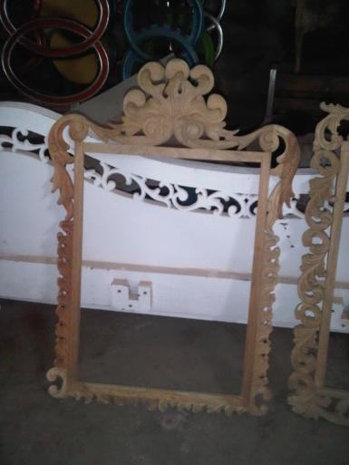 wooden mirror CodeWM100D size 110x90cm