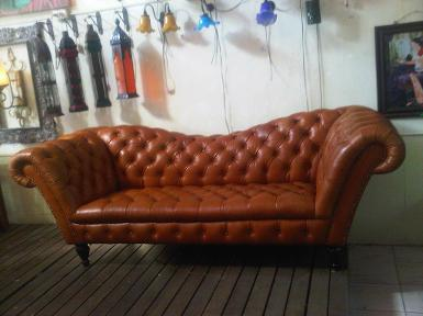 Hamburg Sofa material :leather size long 170 cm.deep 57 cm.