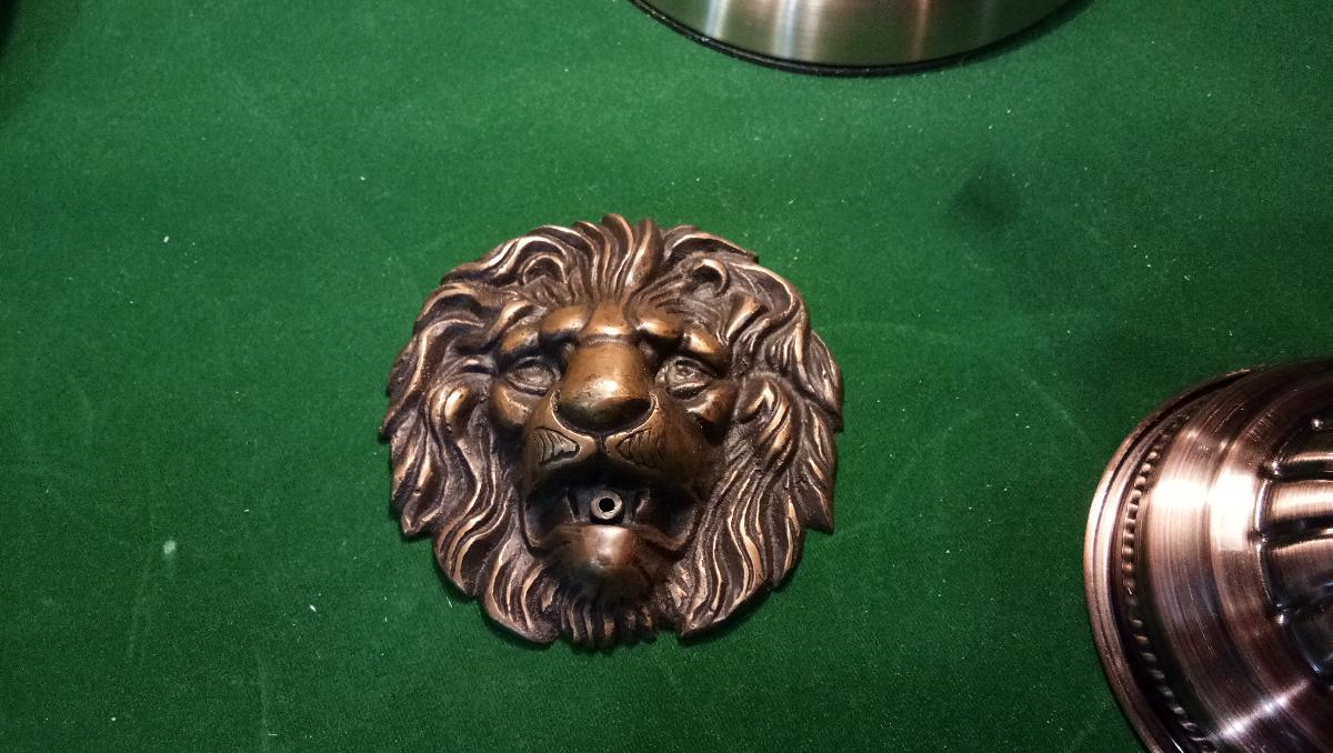 Wall fountain lion brass item code FP152 size wide 110 mm.