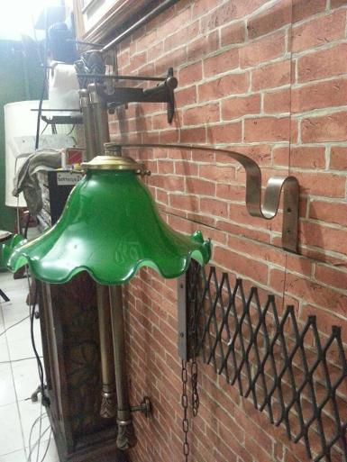 Wall lamp Code WLTH001 size arm wide 1'' deep 25 cm.