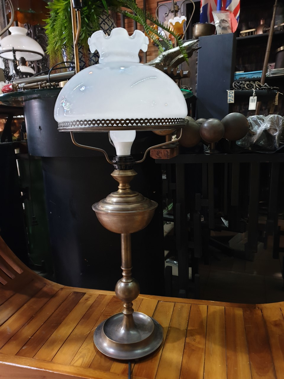 Brass Table Lamp Item Code TBLS019B size base 180 mm.H 720 mm glass 11''