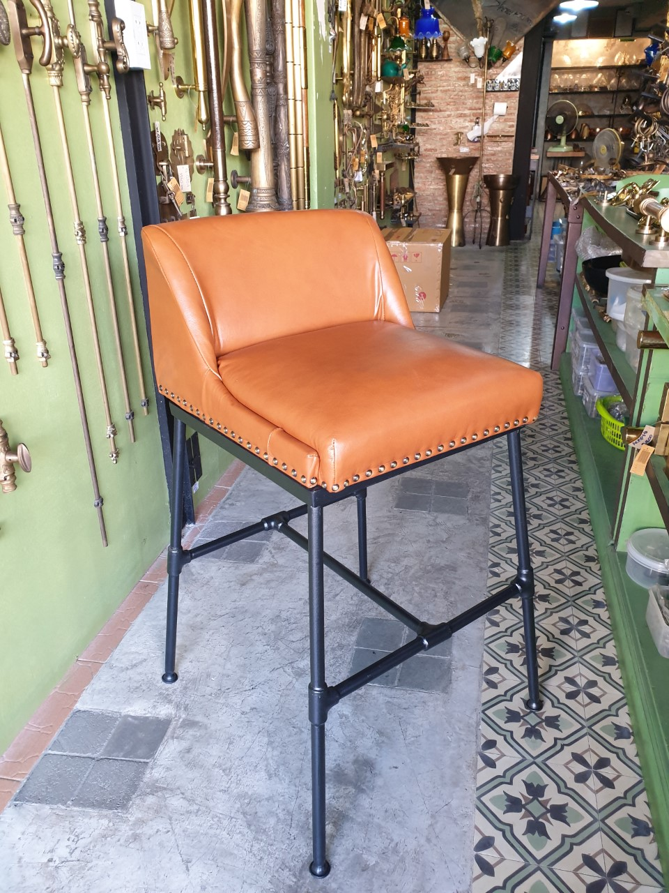 Bar chair iron with leather Item Code IRCL18